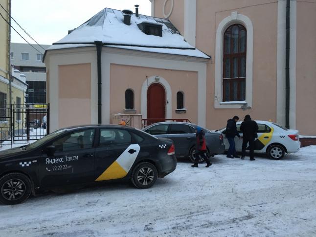 Фото - Такси под ключ 5 а/м в собственности