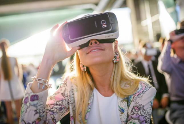 Фото - Экскурсии в очках виртукальной реальности