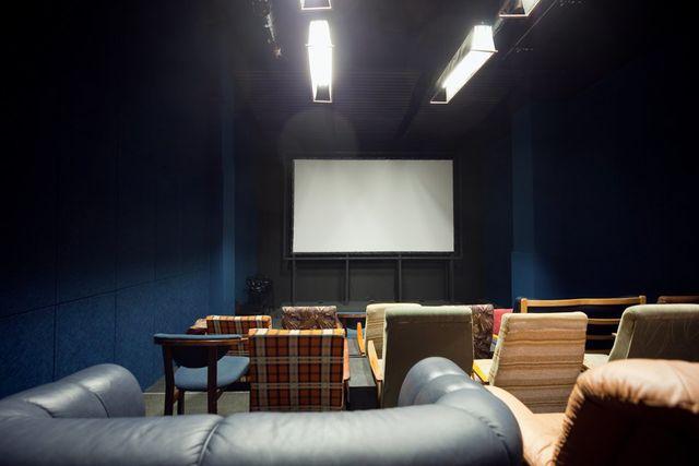 Фото - Место для отдыха, просмотра кино, настольных и видео игр