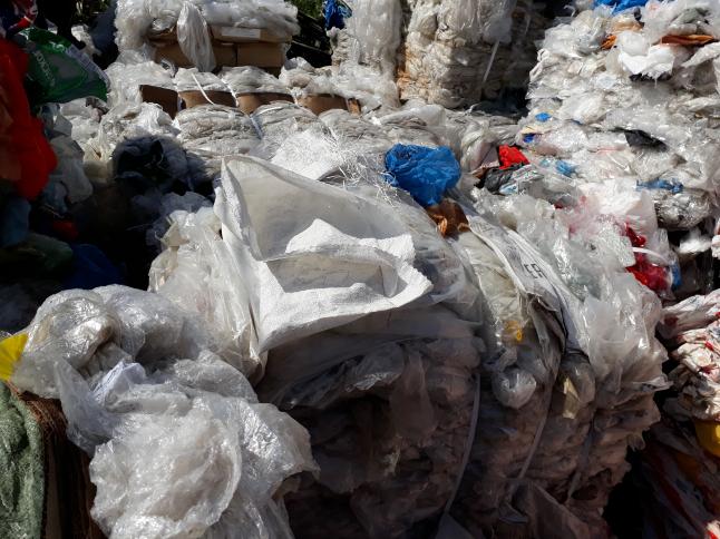Фото - Переработка отходов полимеров.